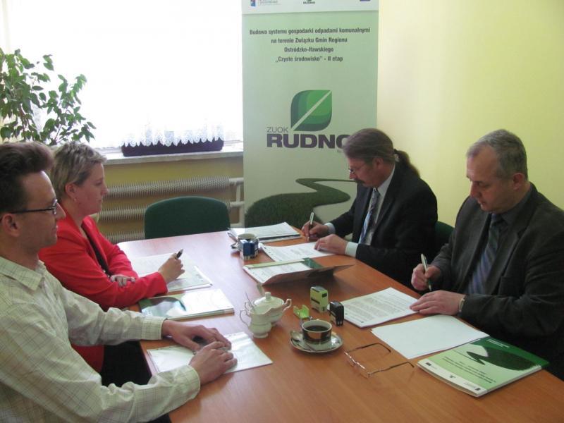 Podpisanie umowy na roboty budowlano-montażowe kontrakt 3a,3b,3c